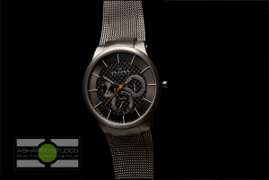 After masking out the background I'm left with a clean image of the watch